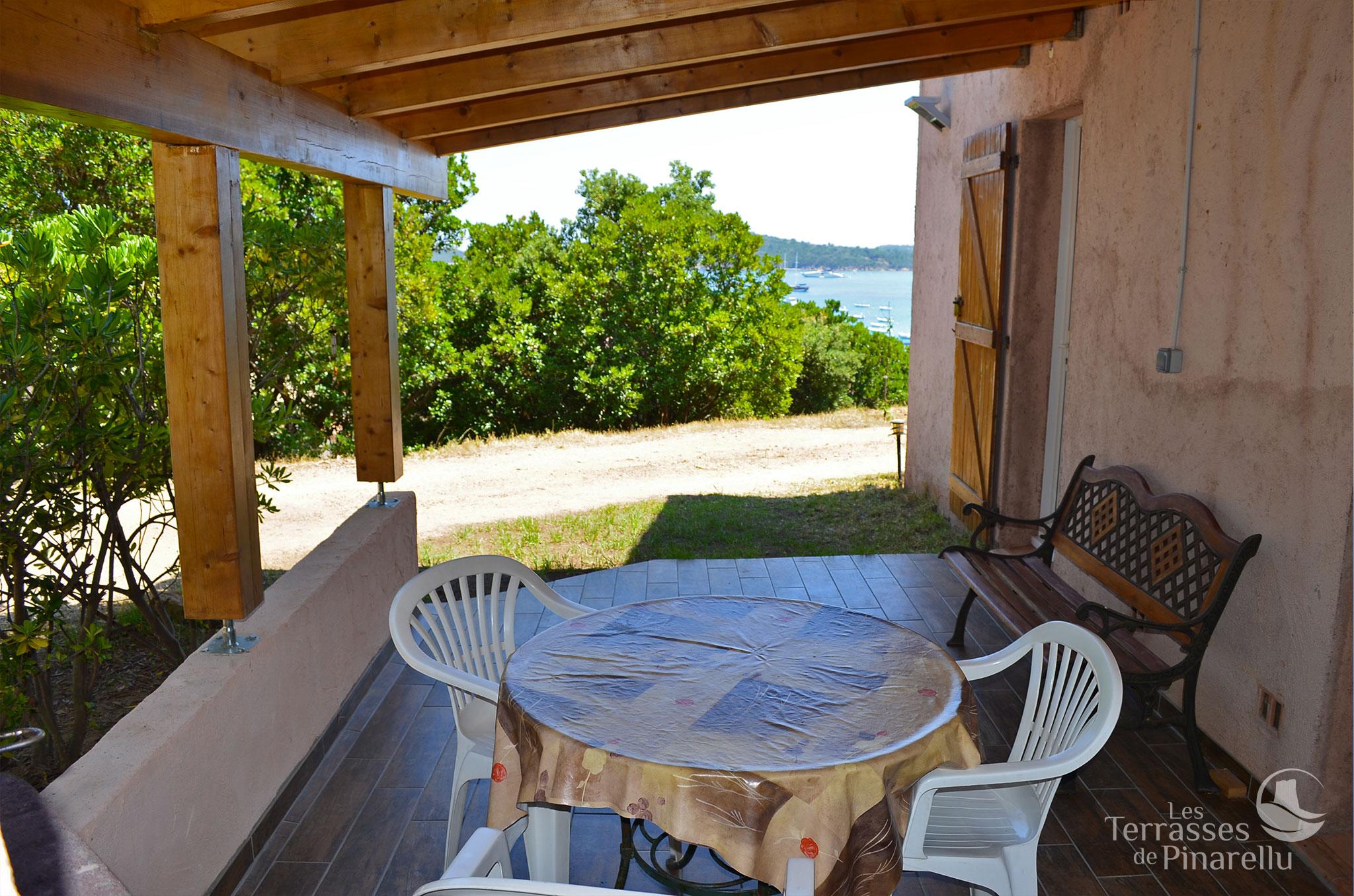 Terrasse vue a casuccia les terrasses de pinarellu for Vue terrasse